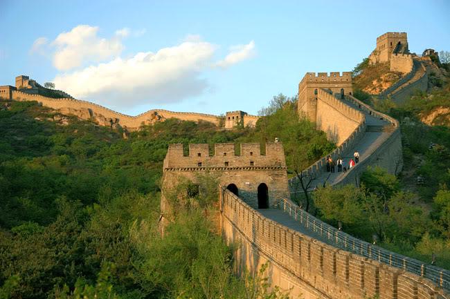 https://assets.roar.media/Bangla/2016/11/View-Of-Great-Wall-Of-China.jpg