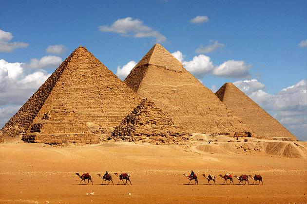 https://assets.roar.media/Bangla/2016/11/egypt-cairo-pyramids-of-giza-and-camels-2.jpg