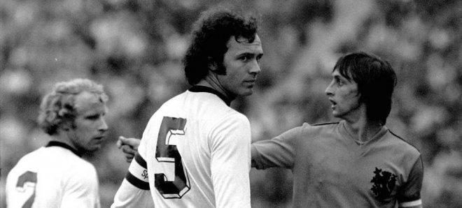https://assets.roar.media/Bangla/2017/09/Franz-Beckenbauer-fue-el-capit_54354966307_54115221152_960_640.jpg