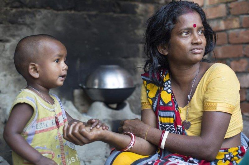 https://assets.roar.media/Bangla/2017/10/life-as-a-bangladeshi-untouchable-body-image-1426517268.jpg