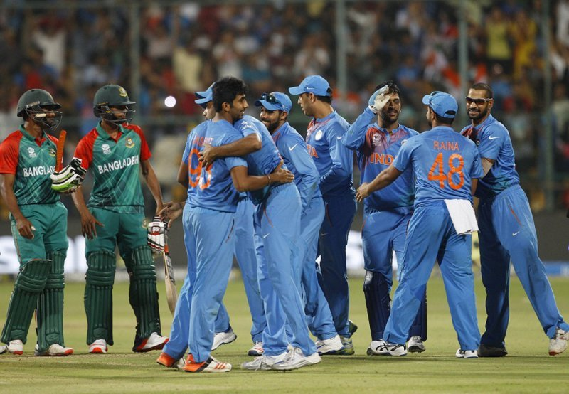 https://assets.roar.media/Bangla/2018/03/India-players-celebrate-their-close-win-while.jpg