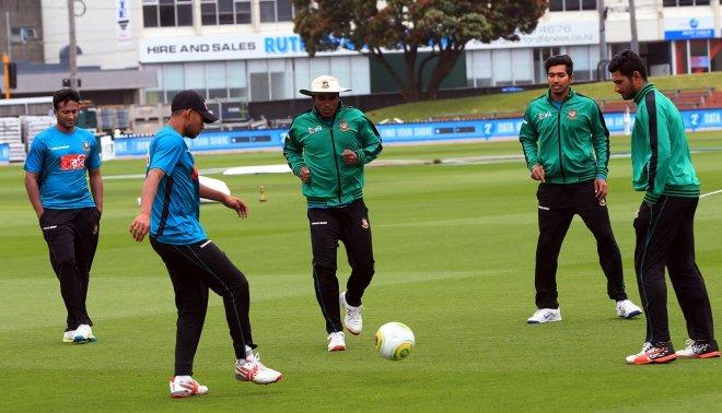https://assets.roar.media/Bangla/2018/04/Bangladesh-cricketer-during-practice-ahead-of-first-test.jpg
