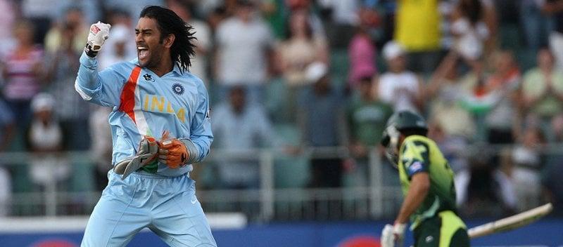 https://assets.roar.media/Hindi/2017/09/2007-T20-World-Cup-Final-India-vs-Pakistan-MS-Dhoni.jpg
