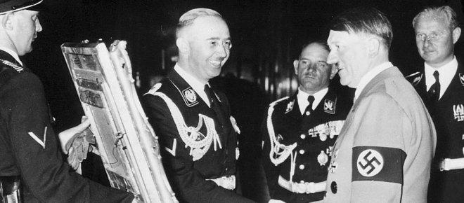 https://assets.roar.media/Hindi/2017/09/Adolf-Hitler-and-Heinrich-Himmler-Hindi-Article.jpg