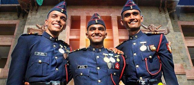 https://assets.roar.media/Hindi/2017/11/Joint-Services-Training-Academy-NDA-Hindi-Article.jpg