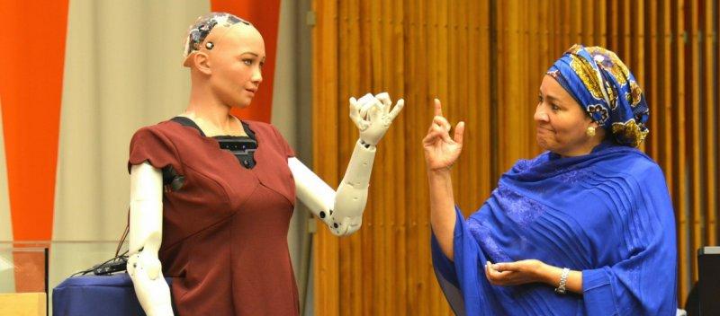 https://assets.roar.media/Hindi/2018/01/Humaniod-Robot-Sophia-Who-Talks-And-Behaves-Like-Humans.jpg