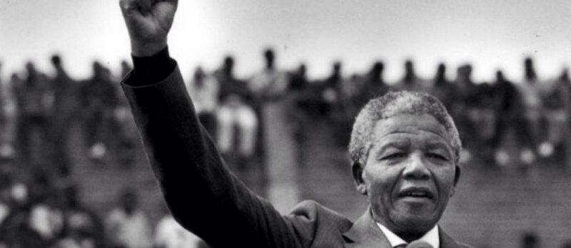 https://assets.roar.media/Hindi/2018/02/Nelson-Mandela-Released.jpg