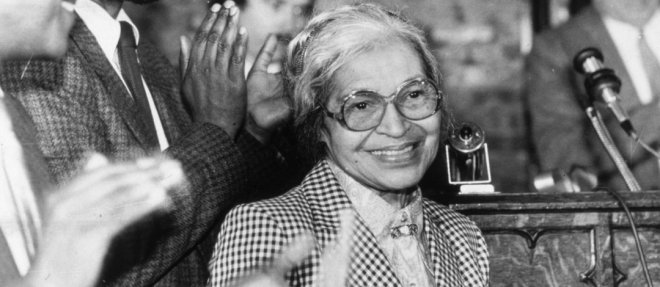 https://assets.roar.media/Hindi/2018/02/Rosa-Parks-Who-Refused-to-Give-Up-Her-Bus-Seat-to-a-White-Passenger.jpg