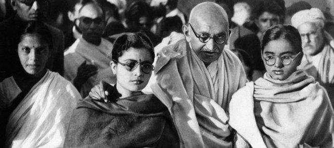 https://assets.roar.media/Hindi/2018/04/Mahatma-Gandhi.jpg
