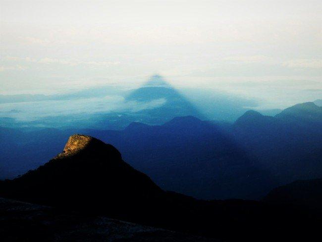 https://assets.roar.media/Life/2015/12/Adams-Peak-sunrise-picture-courtesy-srilankatraveladventuresdotcom-e1449824218767.jpg