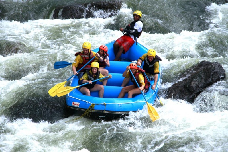 https://assets.roar.media/Life/2016/04/rafting-with-yohan-e1459921898765.jpg