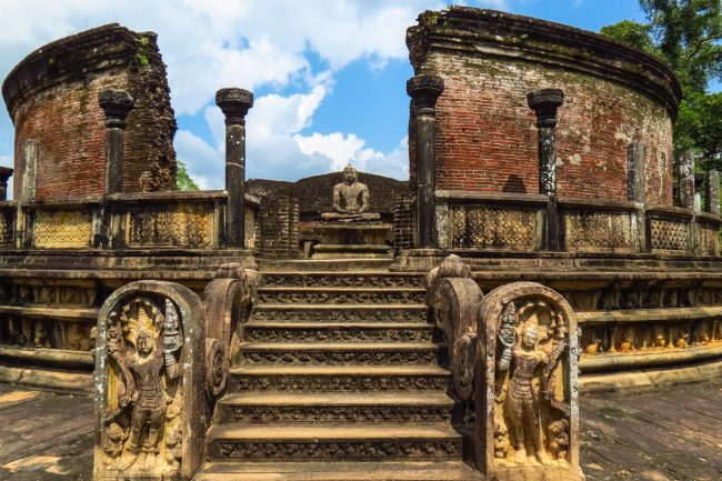 The ruins of the ancient Polonnaruwa <em>vatadage</em>, a circular stone shrine believed to have been built to house the tooth relic of the Buddha. Image courtesy: futuresrilanka.lk