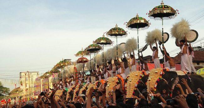 Thrissur Pooram festival, Kerala. Image courtesy: blog.goibibo.com