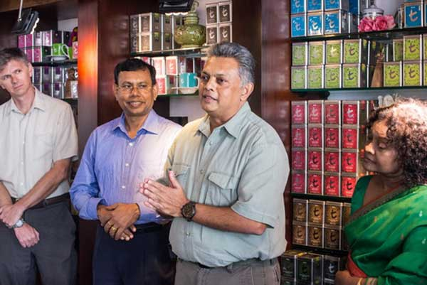 https://assets.roar.media/Sinhala/2016/06/Sumith-Pilapitiya-Lead-Environmental-Specialist-at-the-World-Bank-and-Advisory-Committee-Member-of-Dilmah-Conservation.jpg
