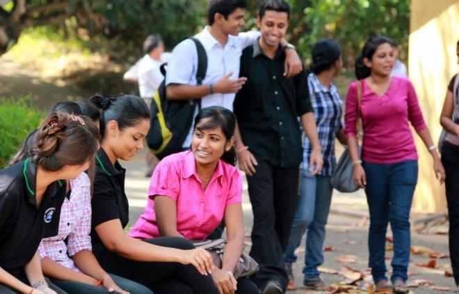 https://assets.roar.media/Sinhala/2016/06/students.jpg