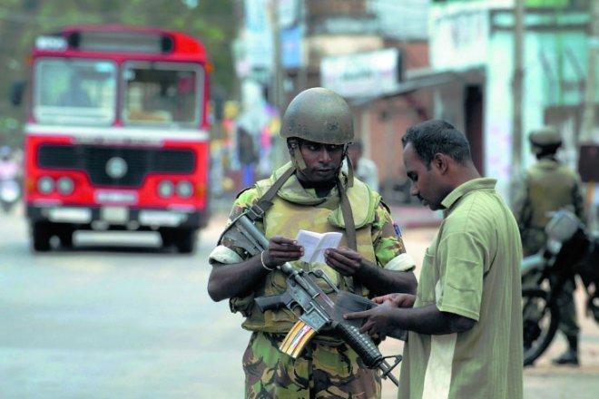 https://assets.roar.media/Sinhala/2017/01/Batti-AFP.jpg