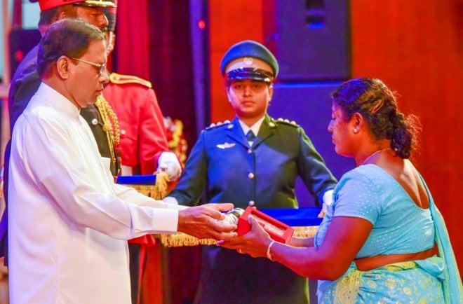 https://assets.roar.media/Sinhala/2017/05/cover2-4-e1494843274636.jpg