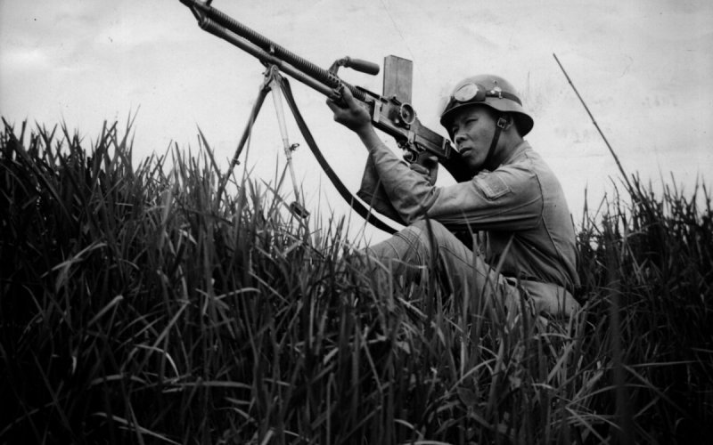 https://assets.roar.media/Sinhala/2017/06/Japanese-soldier-WW2-aims-getty-images-e1498974883432.jpg