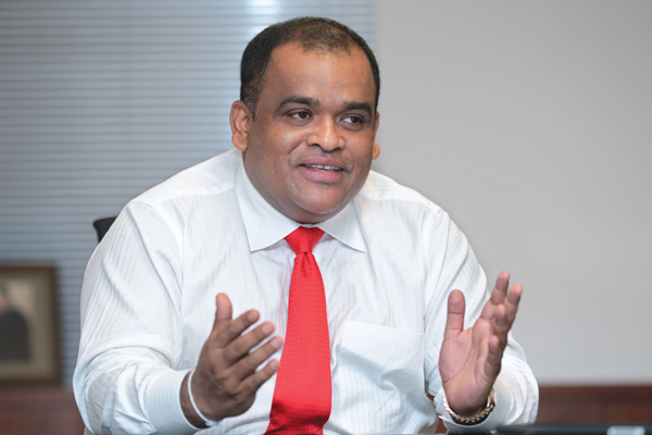 https://assets.roar.media/Sinhala/2017/08/03.lankahelp.com-C-over.jpeg