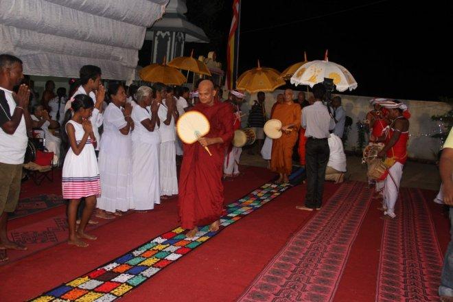 https://assets.roar.media/Sinhala/2017/10/cover2-15-e1509102389919.jpg