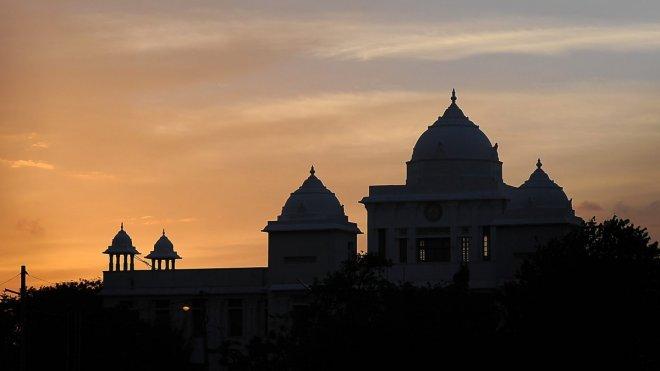 https://assets.roar.media/Tamil/2017/06/p02sh9nf-e1496463653168.jpg