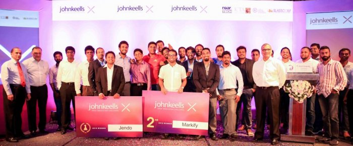 Finalists with the Executive Board members of John Keells Holdings PLC.