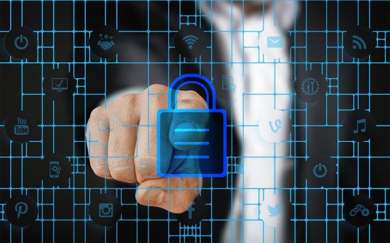 https://assets.roar.media/Tech-Sinhala/2018/02/security-2910624_1920.jpg