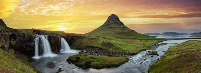 https://assets.roar.media/assets/0LrltvGAeWt4l8k3_travelling-in-iceland-tours-and-trips-in-iceland-1503904176-1920X700.jpg