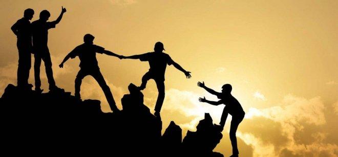 https://assets.roar.media/assets/8txivthDJWF9TR2R_how-to-maintain-a-long-distance-friendship-1400x653-1501754715_1100x513.jpg