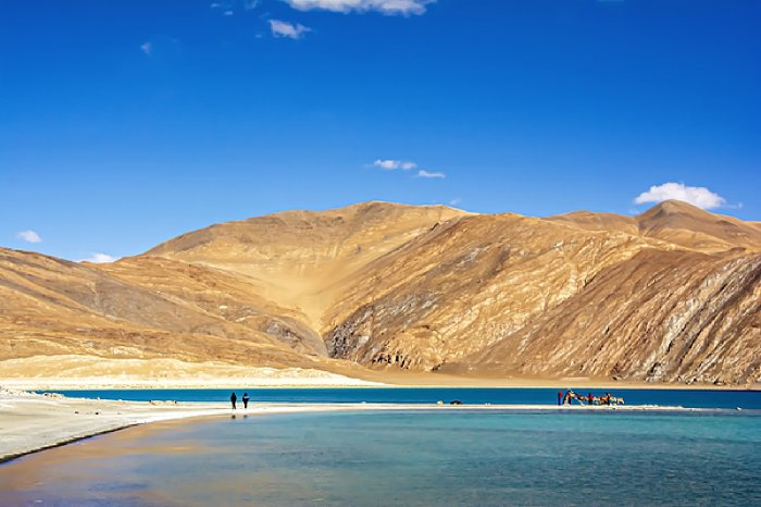 https://assets.roar.media/assets/96C6R2o0fxqcdAZZ_landscape-at-pangong-lake-in-ladakh-region-india-kriangkrai-thitimakorn-%281%29_resize_87.jpg?w=700