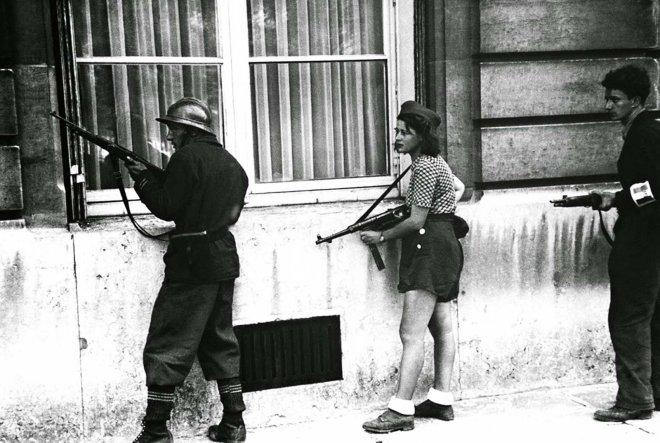 https://assets.roar.media/assets/DPeq6X2L6Ou6SEXG_Simone-Segouin%2C-the-18-year-old-French-Résistance-fighter%2C-1944.jpg