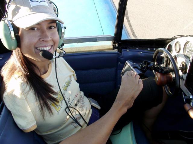 https://assets.roar.media/assets/EItRcvR9Le5TkPN7_Jessica-Cox-is-a-pilot.jpg