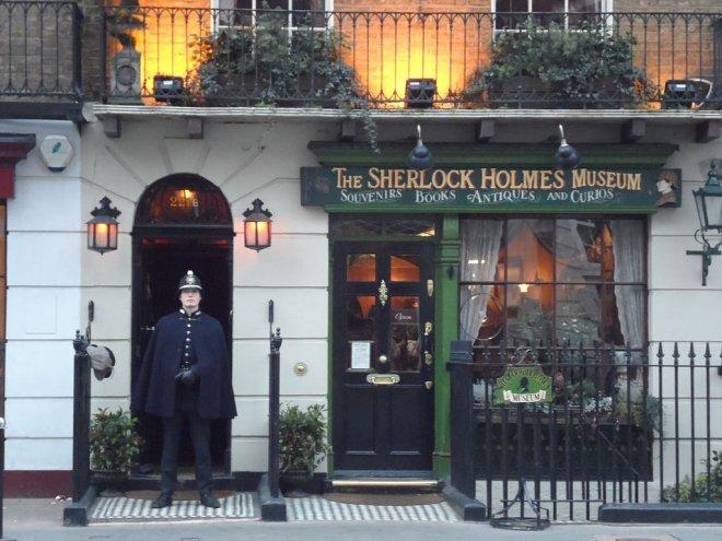 https://assets.roar.media/assets/HdtnPKJI54sUUu9I_1024px-Sherlock_Holmes_Museum_221B_Baker_Street.JPG