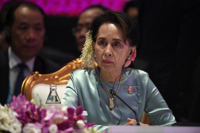 https://assets.roar.media/assets/Iat37HqmE1u7OGDW_feature-photo--22nd-ASEAN-Summit-in-Thailand-Chalinee-Thirasupa.jpg