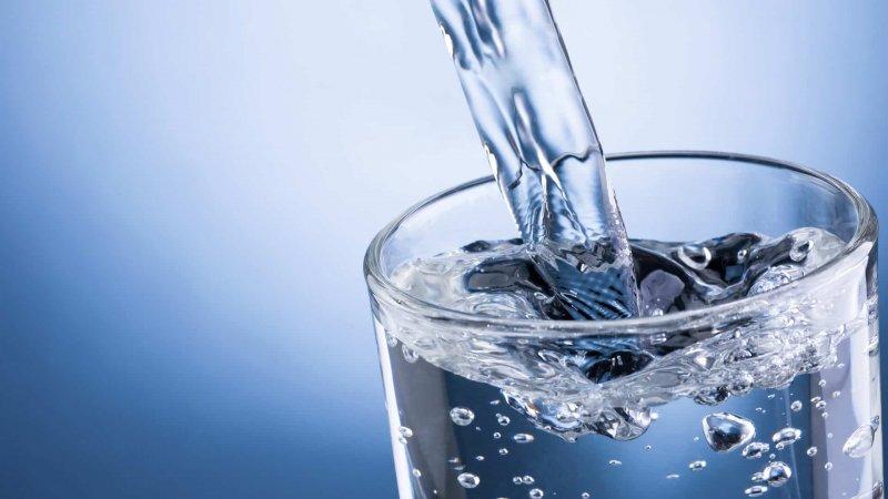 https://assets.roar.media/assets/K661uOqU375tUOJ8_322-3228481_drinking-water-high-resolution.jpg