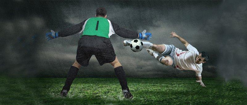 https://assets.roar.media/assets/NpKo70EcMW8vksL9_football-feature.jpg
