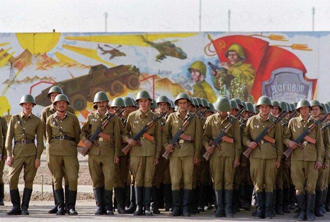 https://assets.roar.media/assets/SrgZdU304Il3wGSf_cover-Soviet-Troops-in-Afg-1988-(AP).jpg