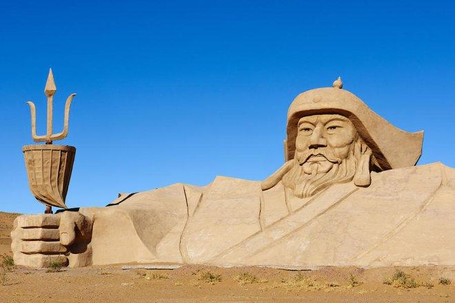 https://assets.roar.media/assets/T8kFhpXfavJRTisZ_china-inner-mongolia-badain-jaran-desert-tuul--bruno-morandi.jpg