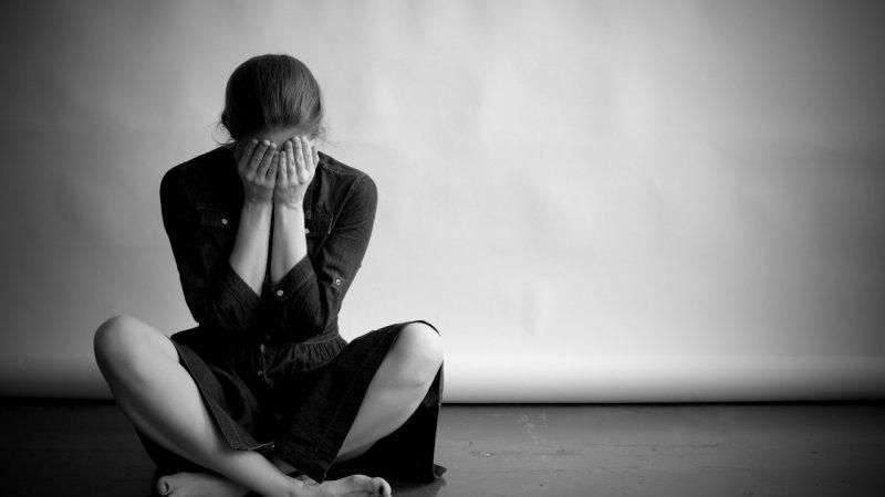 https://assets.roar.media/assets/TFi1NakmRMen3abc_newsletter-depressed-woman-in-monochrome-ts-509864876.jpg