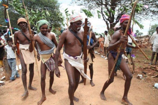 https://assets.roar.media/assets/UECpieKRxAUKXVyG_tribal-people-andhrapradesh-e1501507649500.jpg