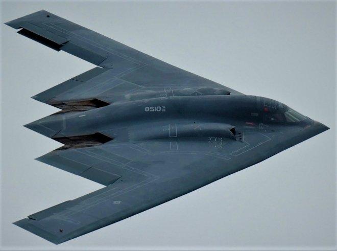 https://assets.roar.media/assets/dlqHJtm1AckATCvB_89-0128-usaf-united-states-air-force-northrop-grumman-b-2a-spirit_PlanespottersNet_064513_71e9e4c802_o.jpg