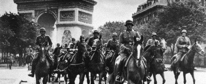 https://assets.roar.media/assets/lwKNQ1BK1xBTTJLI_paris-world-war-2-tour.jpg