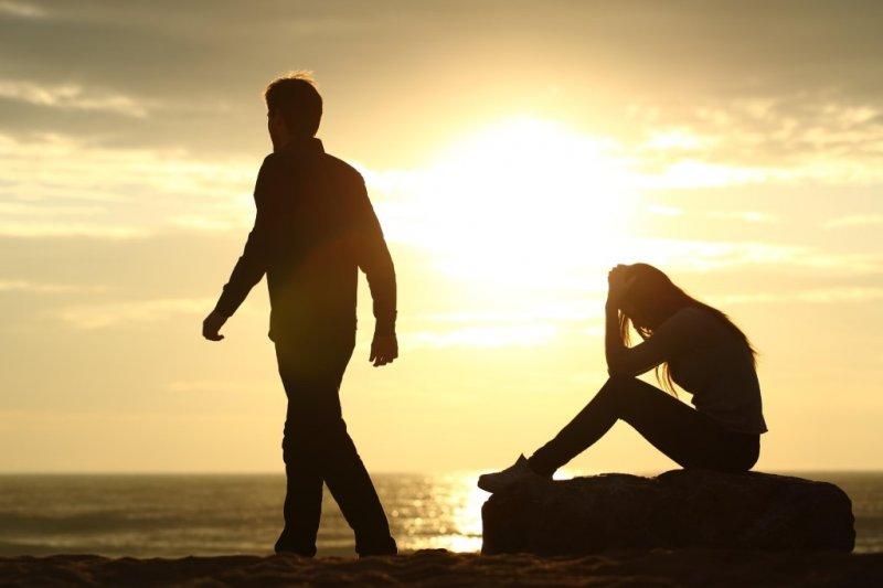 https://assets.roar.media/assets/pTW6mu6hT6RFfDF5_How-To-Do-Social-Media-When-You-Break-Up.jpg