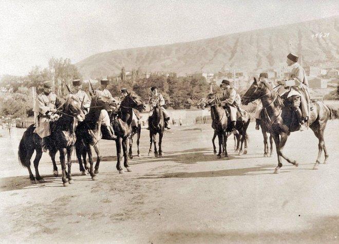 https://assets.roar.media/assets/rctv1WkczrKbXrmQ_Georgian-cavalry-1918.jpg