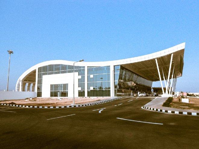 https://assets.roar.media/assets/sFCmERgnKzbRexr5_Pondicherry-Airport-2.jpg