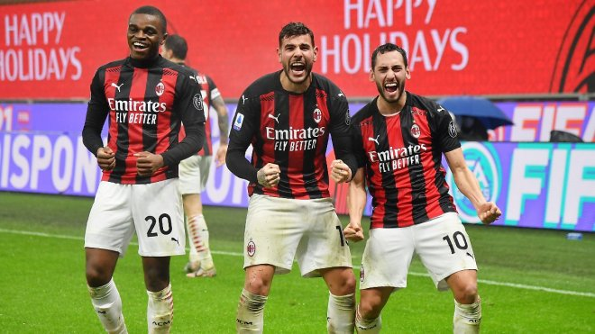 https://assets.roar.media/assets/sx4c5ZXbwuSTXpM6_AC-Milan-lead-Serie-A-the-rebirth-of-a-football.jpg